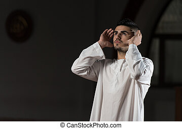 musulman, homme, prier, à, mosquée