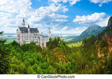 Neuschwanstein fortress - Neuschwanstein castle panorama...