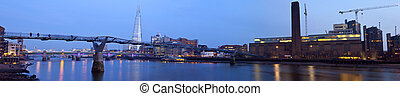 London Panorama - A panoramic view of London taking in the...