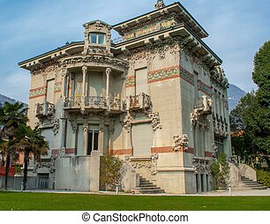 ville - beautiful nineteenth-century residence near the lake...