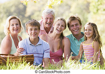 család, piknik, mosolygós