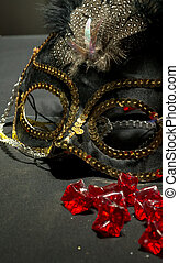 Sequin Masquerade Maske - Gold and Black Mask with Red...