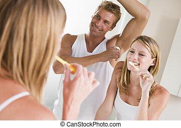 pareja, cuarto de baño, cepillado, dientes, Ser...