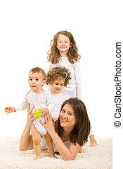 feliz, niños, mamá, tres