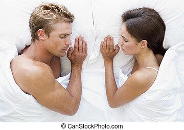 couple, mensonge, lit, dormir