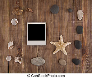 picture with cockleshells and stone