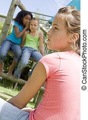 dois, jovem, menina, amigos, pátio recreio,...