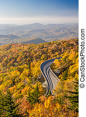 Blue Ridge Parkway in Autumn - Linn cove viaduct on the Blue...