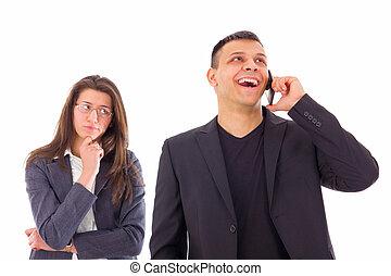 celoso, mujer, Mirar, ella, hombre, Hablar, teléfono