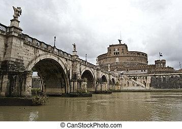 Castel Sant Angelo - famous medieval Castel and Ponte Sant...