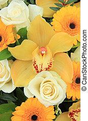 Cymbidium, rosas, Orquídeas,  gerberas