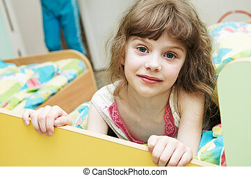Girl ready to sleep - Portrait of little girl in bed...