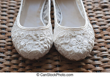 Beautiful white lace bridal shoes - White bridal shoes