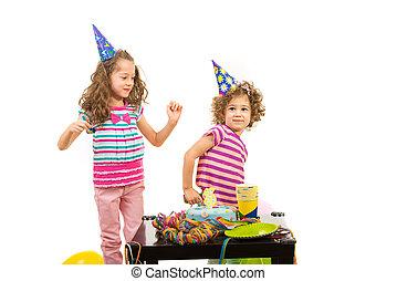 fiesta, cumpleaños, niñas, bailando