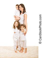 feliz, tres, niños, madre