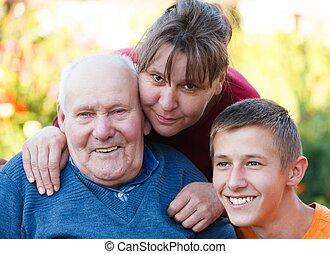 tres, generaciones, juntos