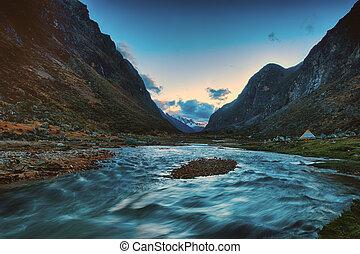 Santa Cruz Trek, Cordillera Blanca, Peru South America