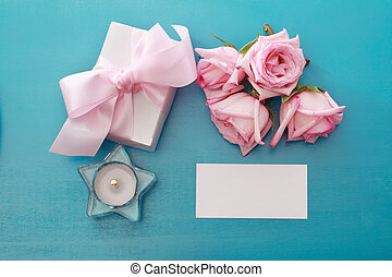 Gift box with pink roses - Gift box and blank card with pink...