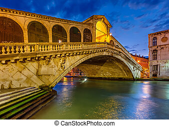 Rialto bridge, Venice - Rialto bridge at night, Venice,...