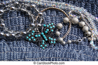 Costume Jewellery - Assorted bracelets and a pretty...