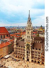 City centre of Munich, Marienplatz, New Town Hall (Neues...