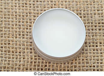 Shea butter perfect balm - Pure shea butter in metallic tin...