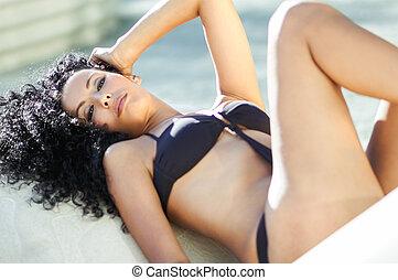 il portare, acconciatura, giovane,  bikini, nero, donna,  afro