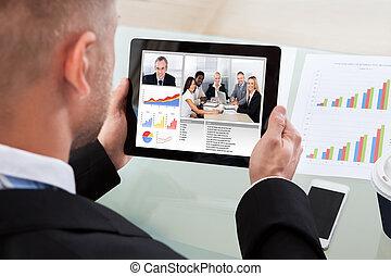 hombre de negocios, vídeo, o, conferencia, llamada,...