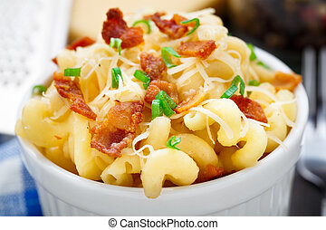 Mac and cheese with bacon - Delicious mac and cheese with...