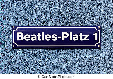Beatles-Platz - Street sign of Beatles Square at the corner...