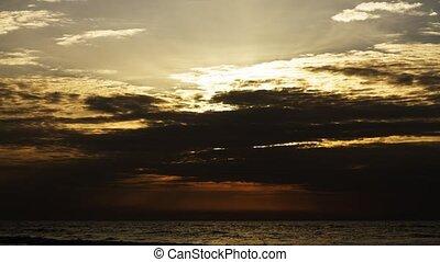 Timelaps video sunset .