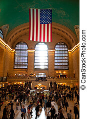 Grand Central crowds - Crowd of travelers at New York...
