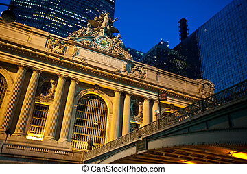 Grand Central Terminal - Statue of Mecury at the Grand...