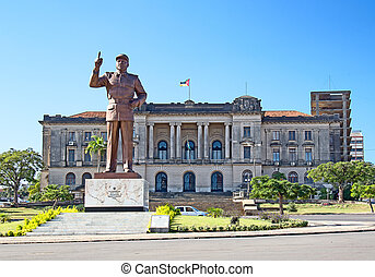 Maputo - City hall and statue of Michel Samora in Maputo,...