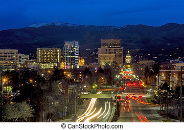 Beautiful city of Boise Idaho Capital boulevard - Headlighs...
