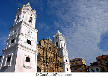 Cathedral in Panama city Senora de la Asuncion - wide angle...