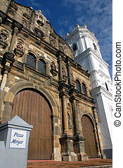 Cathedral Senora de la Asuncion Panama city - Wide angle...