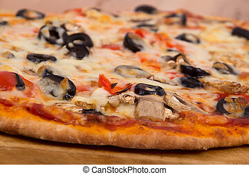 olive and mushroom pizza