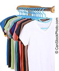Camisetas, penduradas, cabides