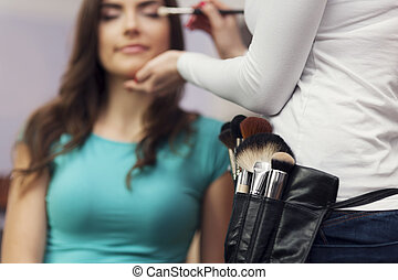 Time to visit in make up artist