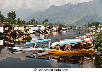 Shikara boats on Dal Lake - KASHMIR, INDIA - AUG 3 Shikara...