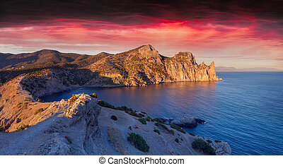 Colorful summer sunrise on the sea.