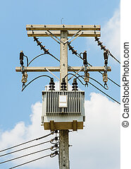Electrical power distribution with transformer