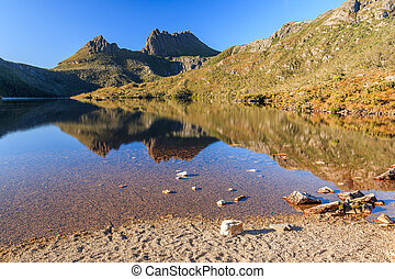 Cradle Mountain - Morning Light at Cradle Mountain in Lake...