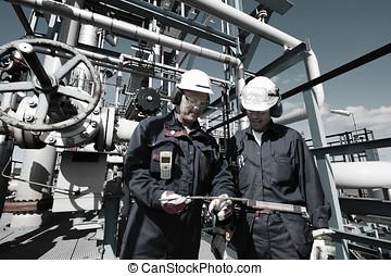 aceite, gas, trabajadores, dentro, refiner