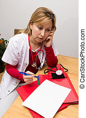 Phoning nurse - Nurse phoning and making a memcon