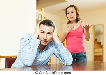 pareja, Durante, conflicto