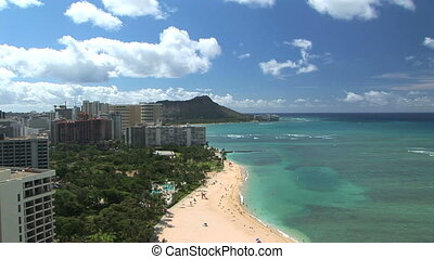 Waikiki Beach & Diamond Head, time lapse - Waikiki Beach...