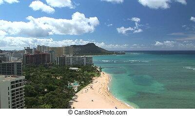 Waikiki Beach & Diamond Head, time lapse - Waikiki Beach...