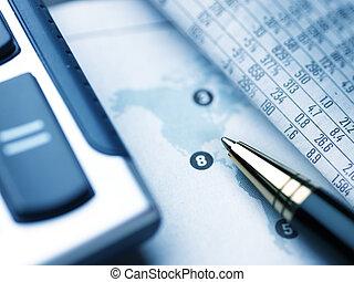報紙, 鉛筆, 計算器